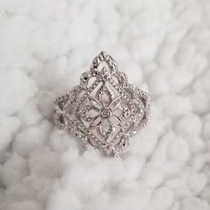 Jewelry - 925, sterling silver lace style triangle ring